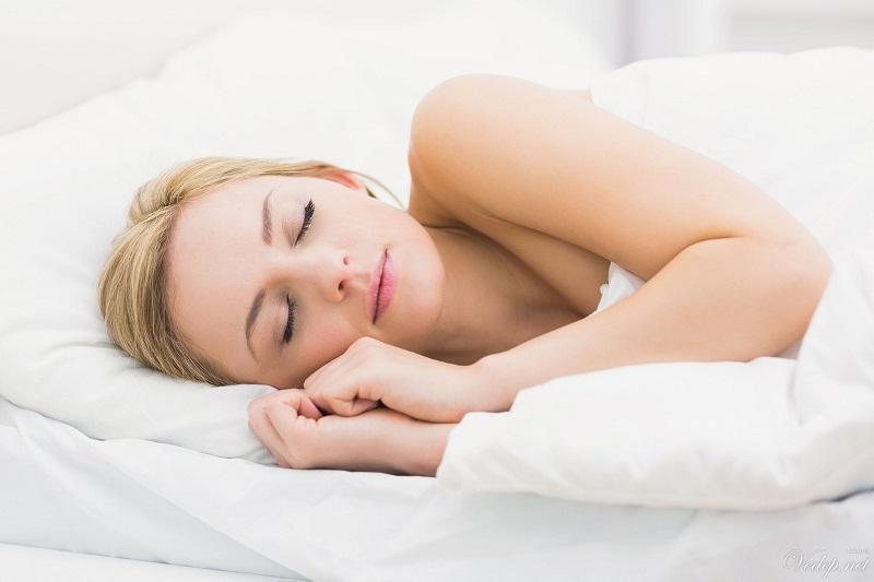 Bạn có biết ngủ nude mang đến những lợi ích tuyệt vời 2