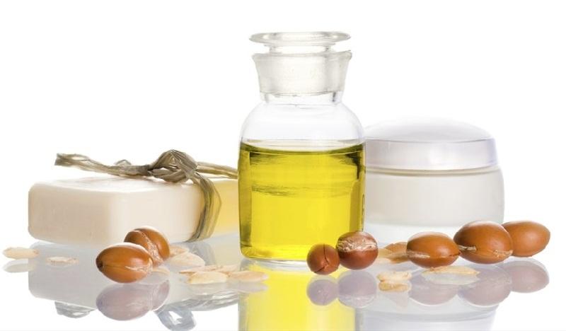 Cho mi dài cong vút với mẹo dưỡng mi từ tinh dầu tự nhiên 8