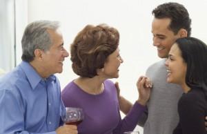 Bí quyết lấy lòng bố mẹ chồng cho nàng dâu mới