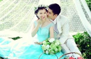 cô dâu đẹp lộng lẫy với váy cưới màu sắc