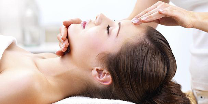 Cách massage cho da măt khỏe đẹp mỗi ngày 2