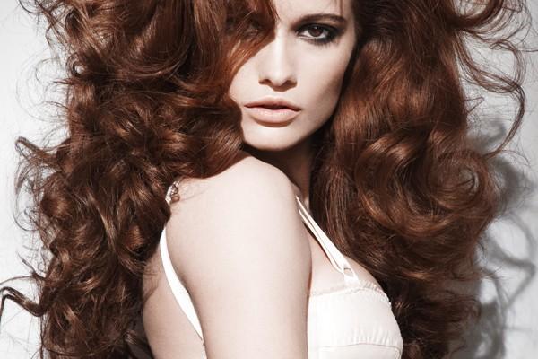mẹo chăm sóc mái tóc uốn luôn gợi cảm