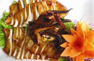 Mực nướng sa tế cay cay, món ngon cho ngày mưa thêm ấm áp
