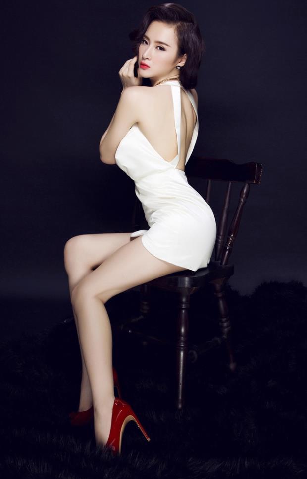 Ngắm nhìn những mẫu áo khoe lưng táo bạo của Angela - Phương Trinh 2