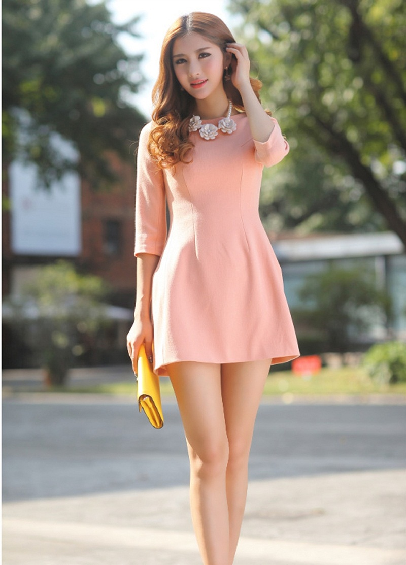 Những mẫu váy ấn tượng cho cô nàng công sở nổi bật ngày hè 8