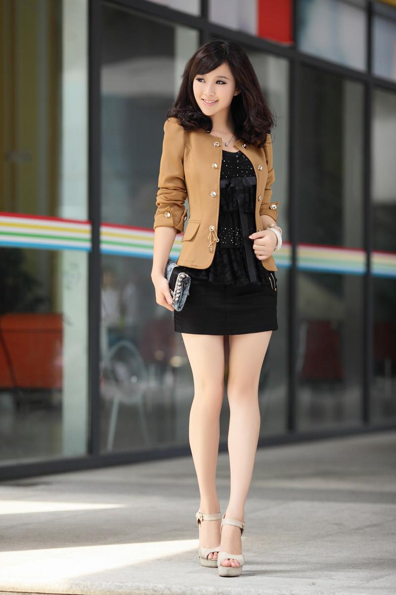 Những mẫu váy ấn tượng cho cô nàng công sở nổi bật ngày hè 2
