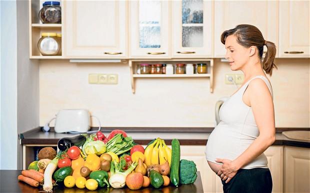 những thực phẩm mẹ bầu không nên ăn