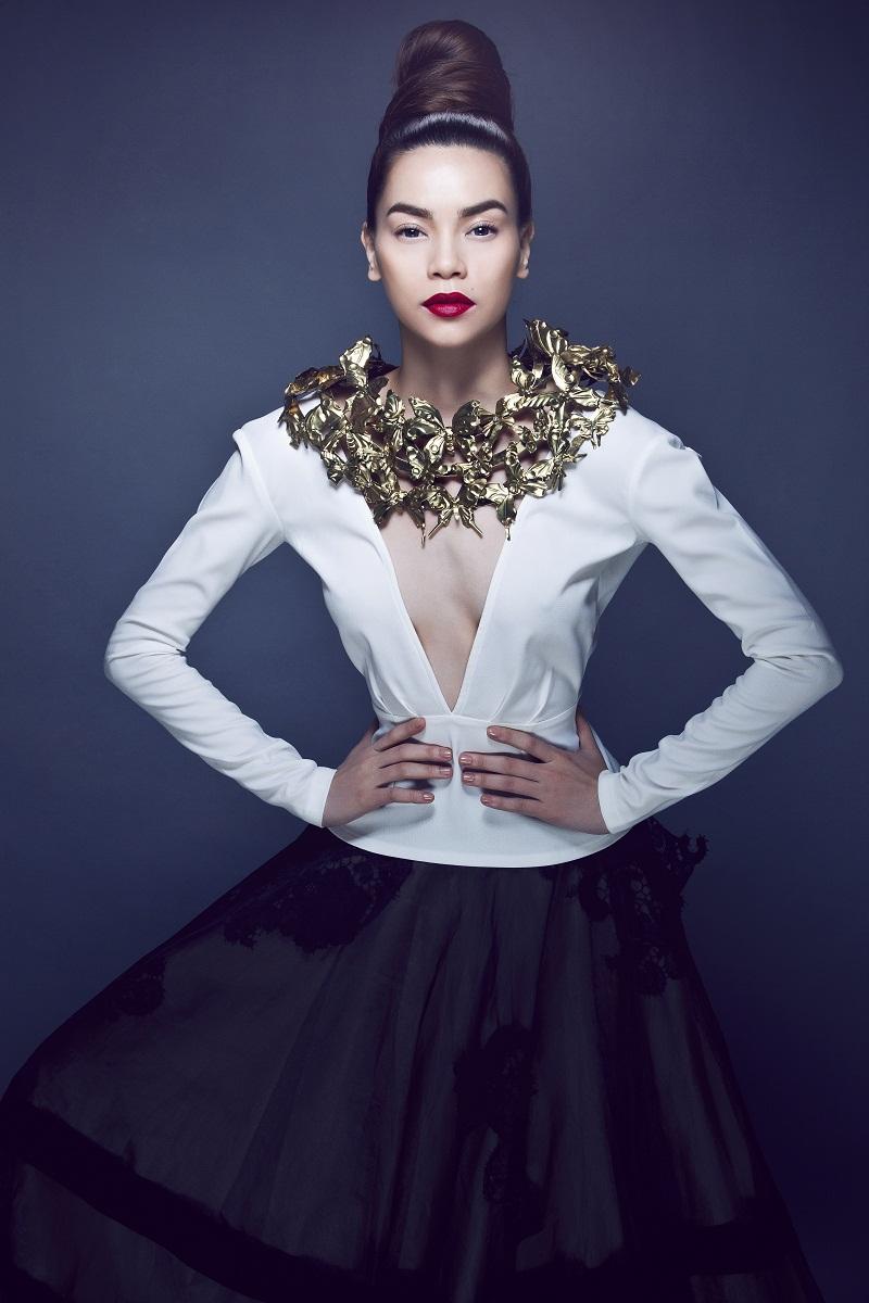 Khám phá phong cách sành điệu theo xu hướng thời trang của Hồ Ngọc Hà 3