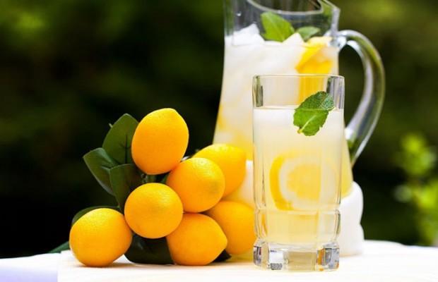 Uống nước chanh giảm cân đúng cách để không ảnh hưởng tới sức khỏe
