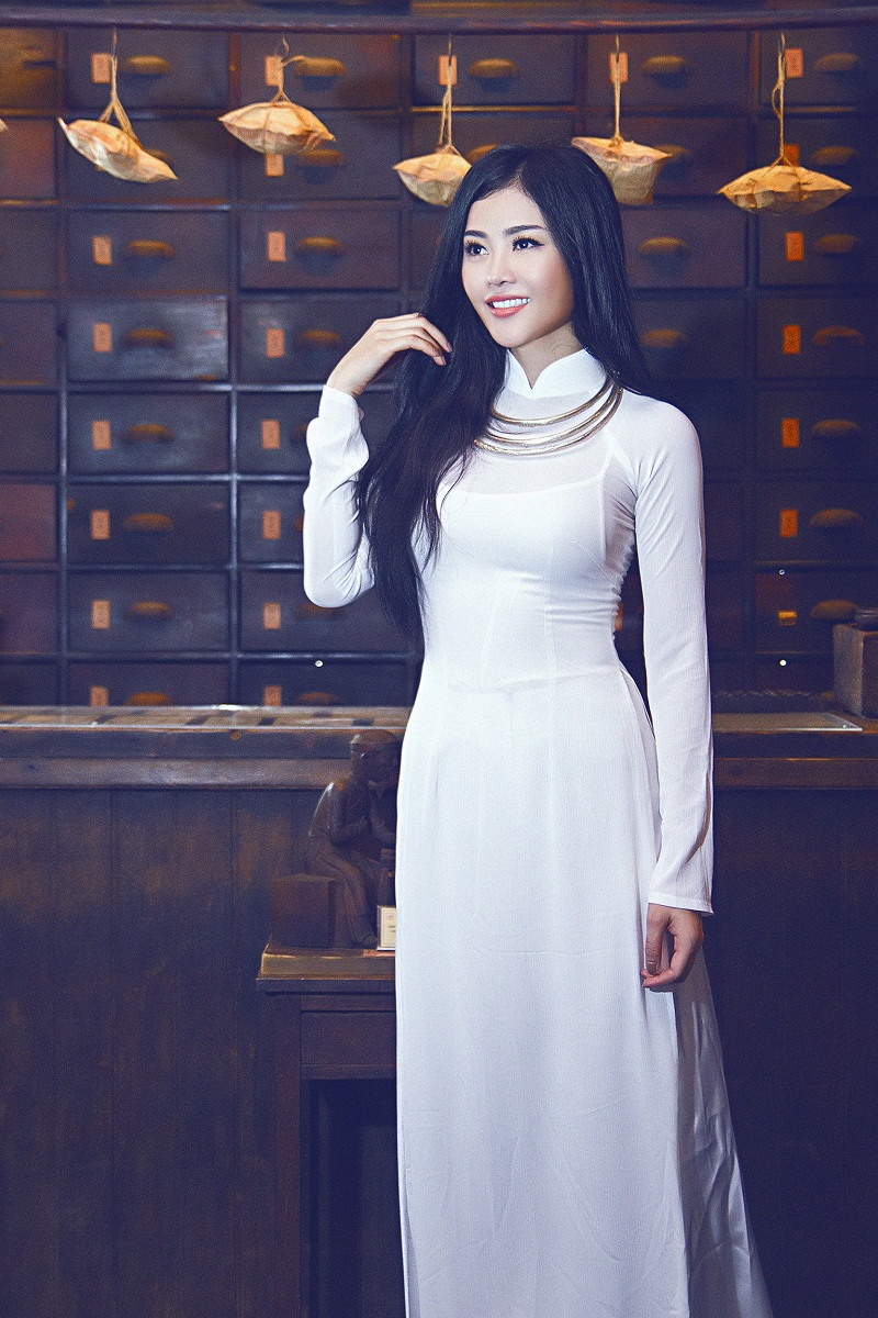 Chiêm ngưỡng những mỹ nhân Việt diện áo dài đẹp tuyệt vời 12