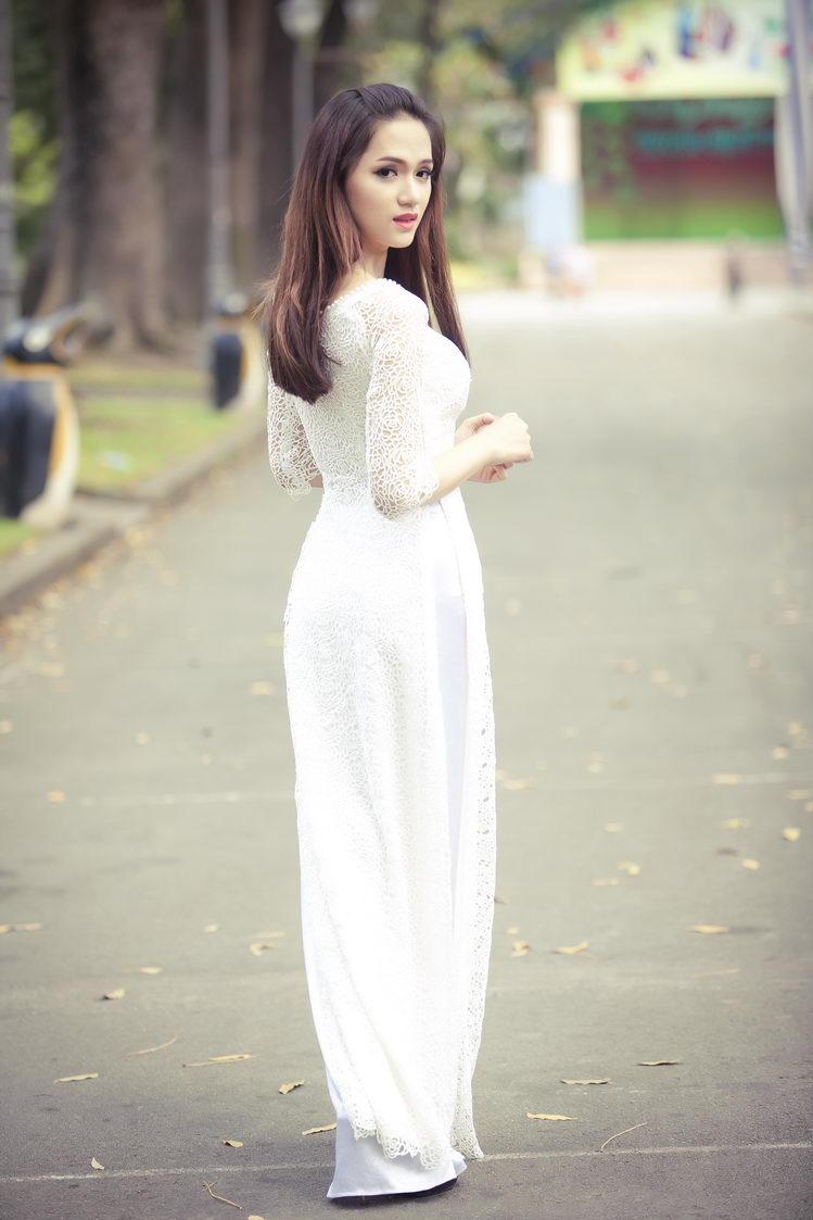 Chiêm ngưỡng những mỹ nhân Việt diện áo dài đẹp tuyệt vời 21
