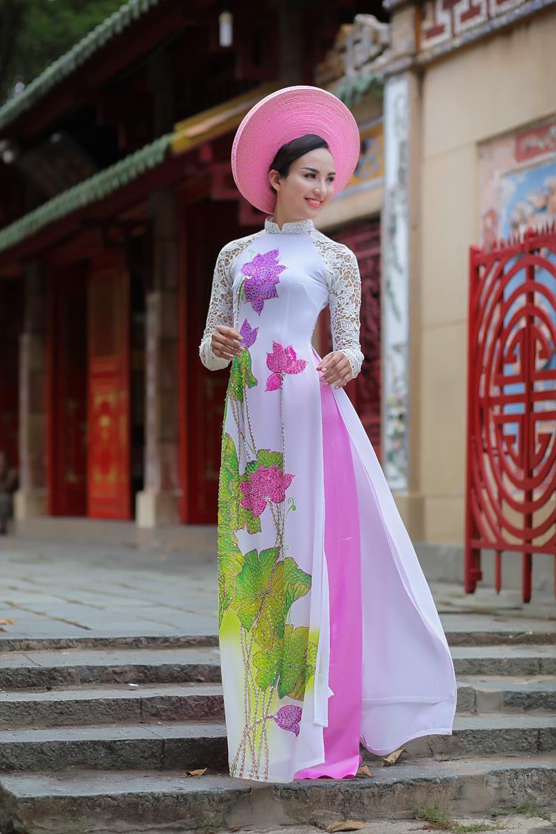 Chiêm ngưỡng những mỹ nhân Việt diện áo dài đẹp tuyệt vời 5