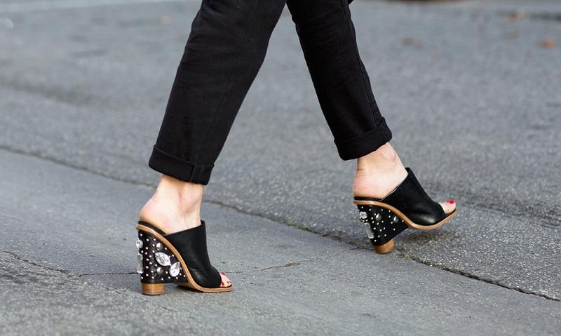 Giày Mule - xu hướng sành điệu cho những cô nàng quý phái 4