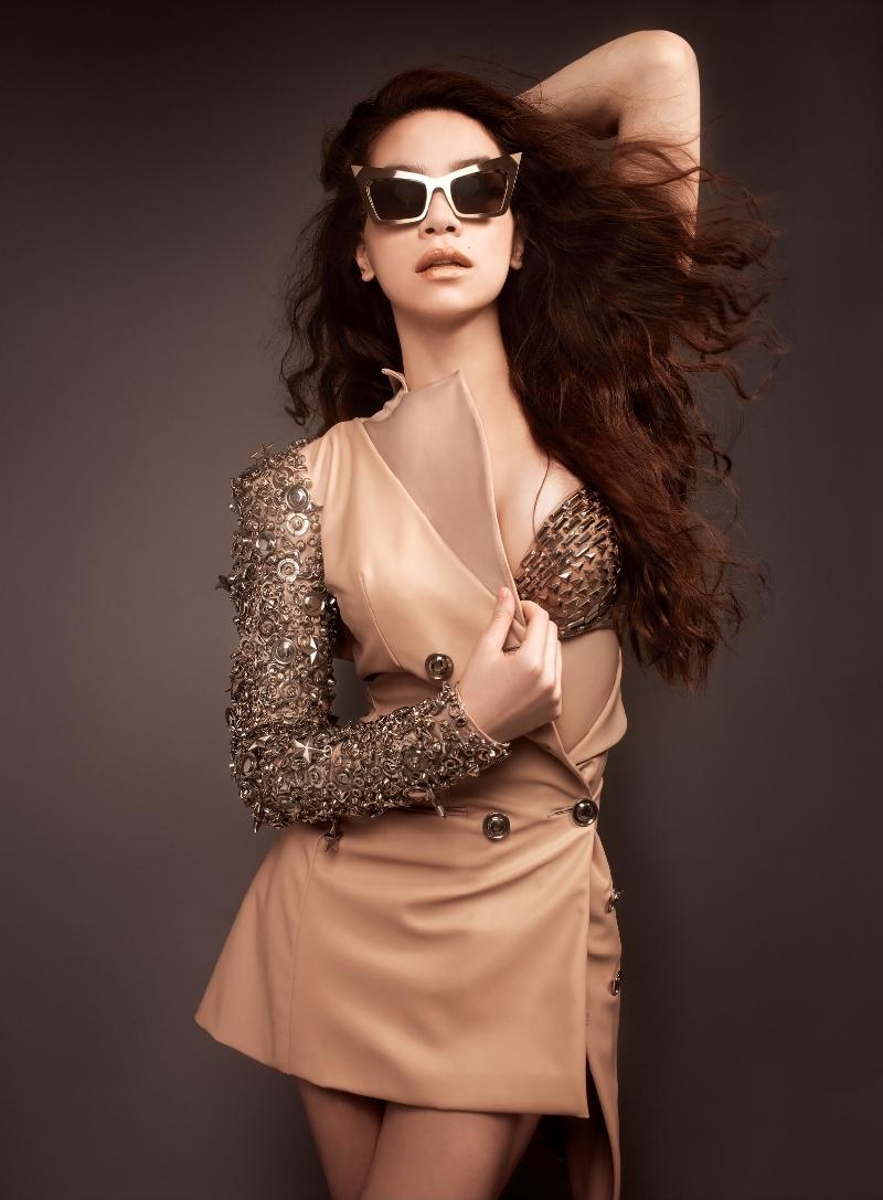 Hồ Ngọc Hà đẹp lộng lẫy với những mẫu váy thiết kế ấn tượng 11