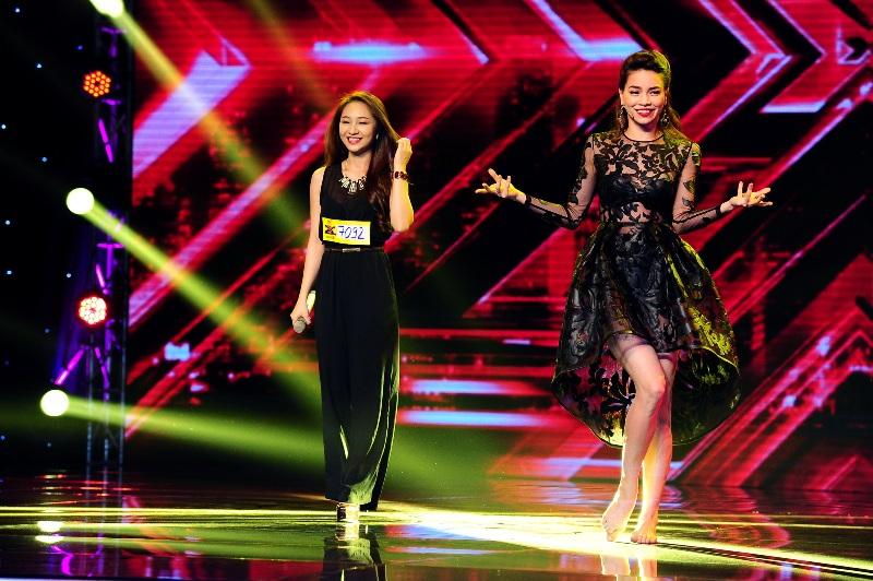 Hồ Ngọc Hà đẹp lộng lẫy với những mẫu váy thiết kế ấn tượng 9