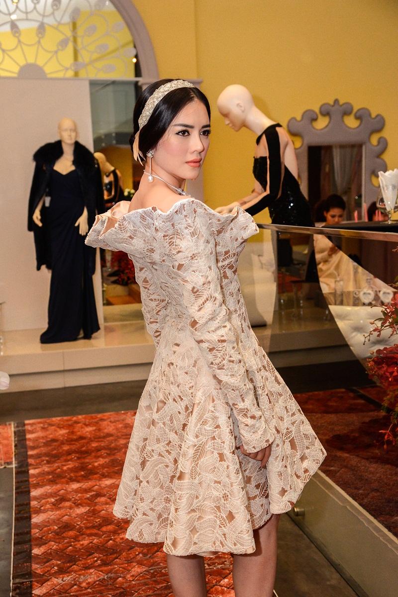 Khám phá những gu thời trang diêm dúa nhất của sao Việt 8