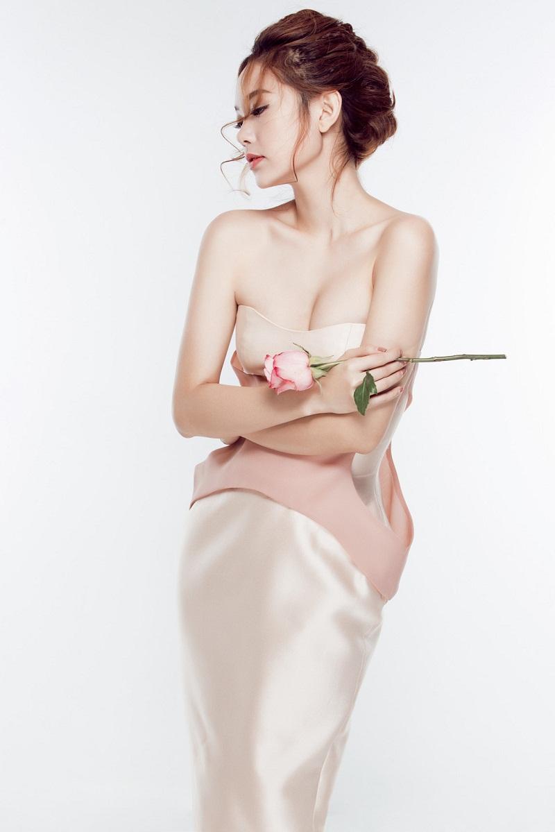 Ngắm nhìn Minh Hằng quyến rũ sang trọng với gu thời trang sành điệu hàng đầu 5