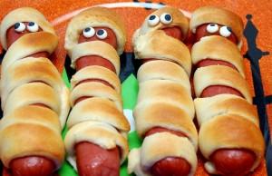 Tại sao bạn không nên ăn nhiều hot dog 1