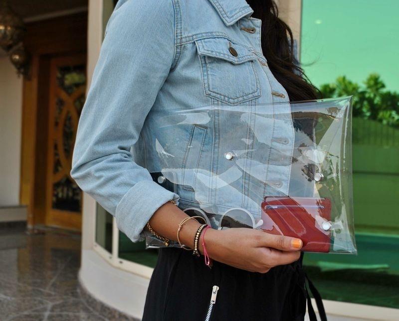 Túi xách nhựa trong và cú lội ngược dòng ngoạn mục 3