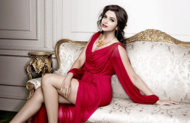 Xu hướng thời trang công sở với gam màu đỏ nổi bật quyến rũ 1