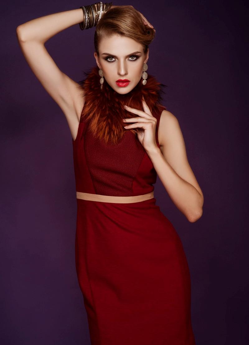 Xu hướng thời trang công sở với gam màu đỏ nổi bật quyến rũ 11