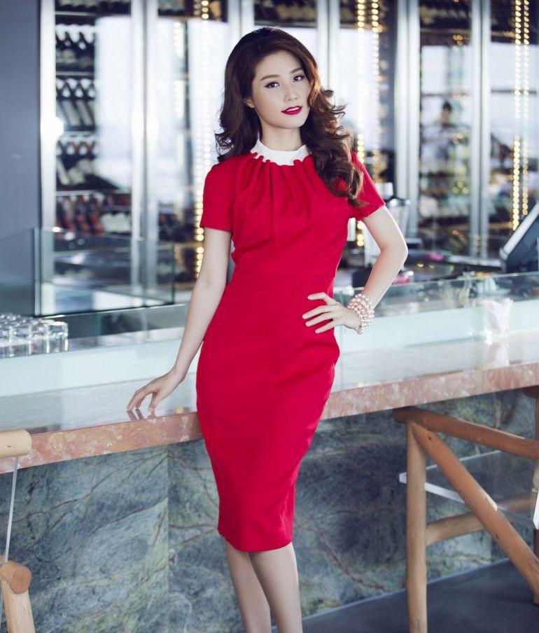 Xu hướng thời trang công sở với gam màu đỏ nổi bật quyến rũ 13