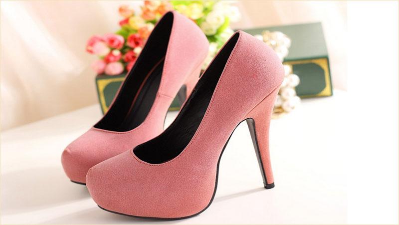 Bí quyết giúp chị em đánh tan nỗi lo đau chân khi đi giày cao gót 1