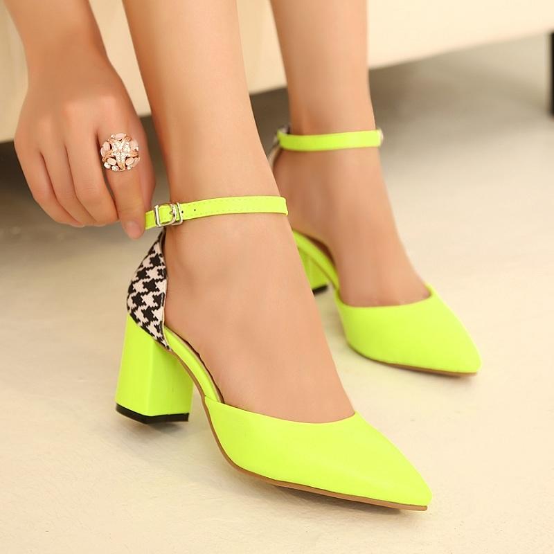 Bí quyết giúp chị em đánh tan nỗi lo đau chân khi đi giày cao gót 3