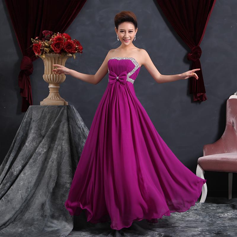 Cô dâu đẹp quyến rũ với váy cưới màu tím 11