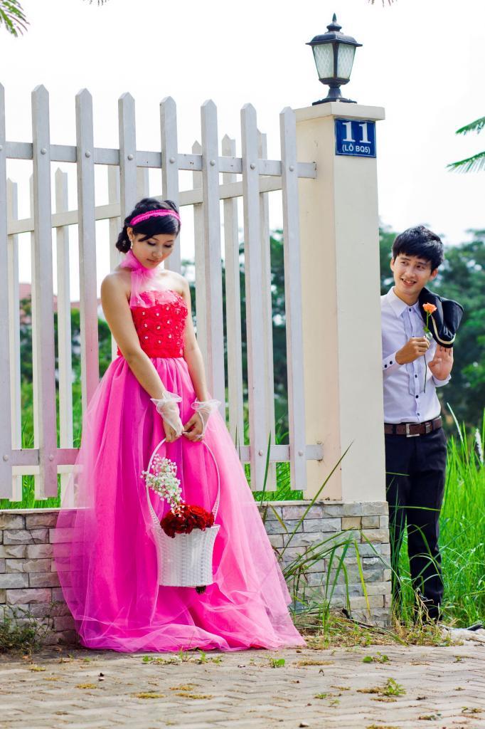 Cô dâu lộng lẫy và nổi bật với váy cưới màu hồng 13