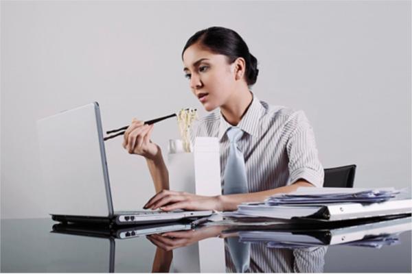 Dân văn phòng và những căn bệnh dễ dàng mắc phải 2