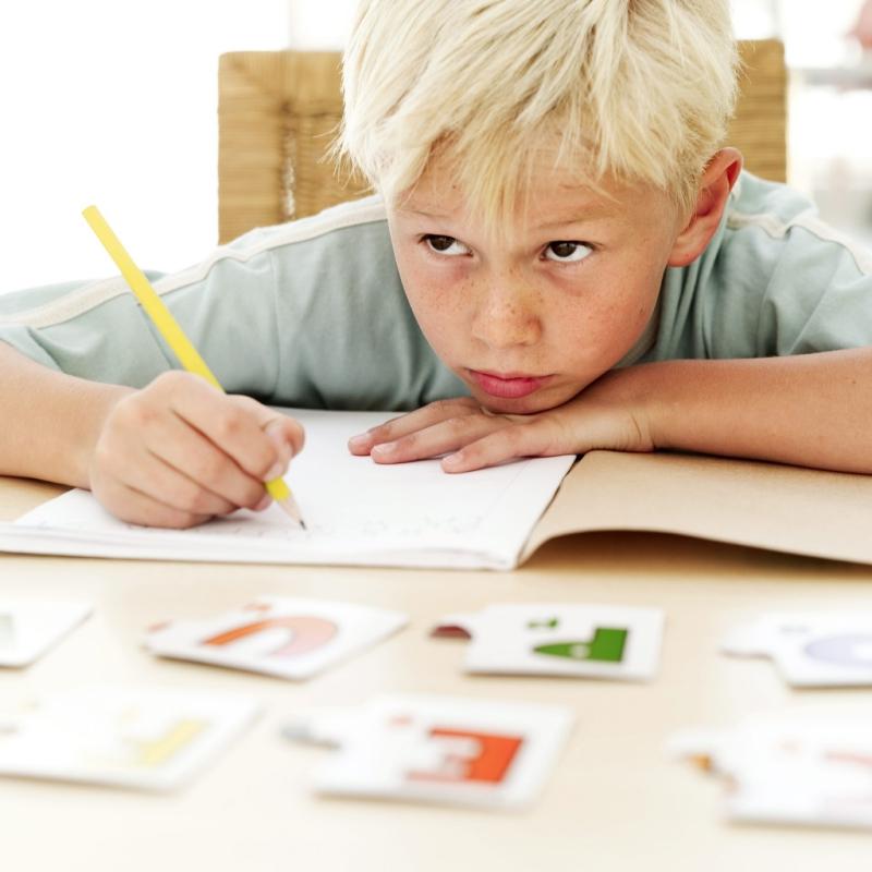 Dạy trẻ học chữ cái dễ mà không dễ