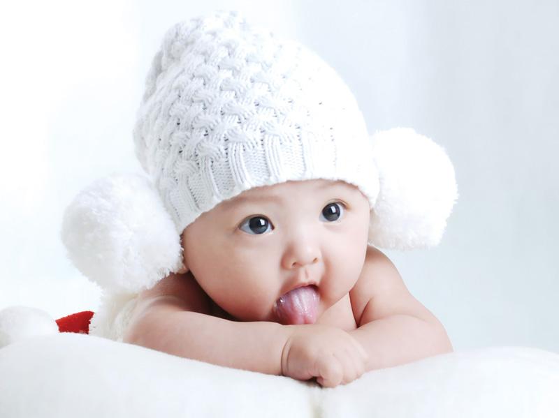 Một vài dấu hiệu để nhận biết bé là đứa trẻ thông minh và năng động khi vừa mới chào đời 4