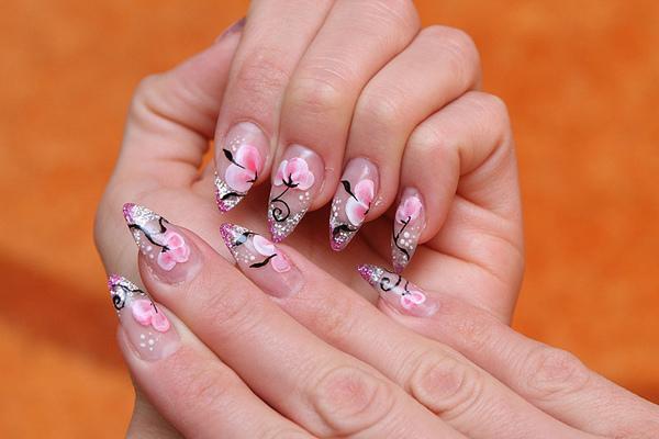 Những kiểu vẽ móng tay đẹp cho bạn gái thêm cá tính 5