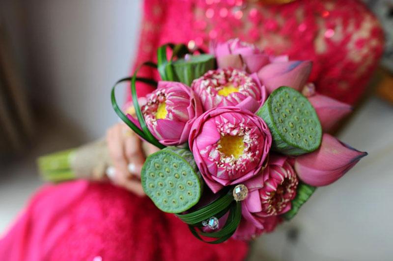 Những mẫu hoa cưới cầm tay đẹp cho cô dâu thêm nổi bật 14