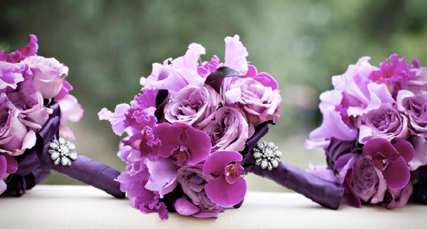 Những mẫu hoa cưới cầm tay đẹp cho cô dâu thêm nổi bật 19