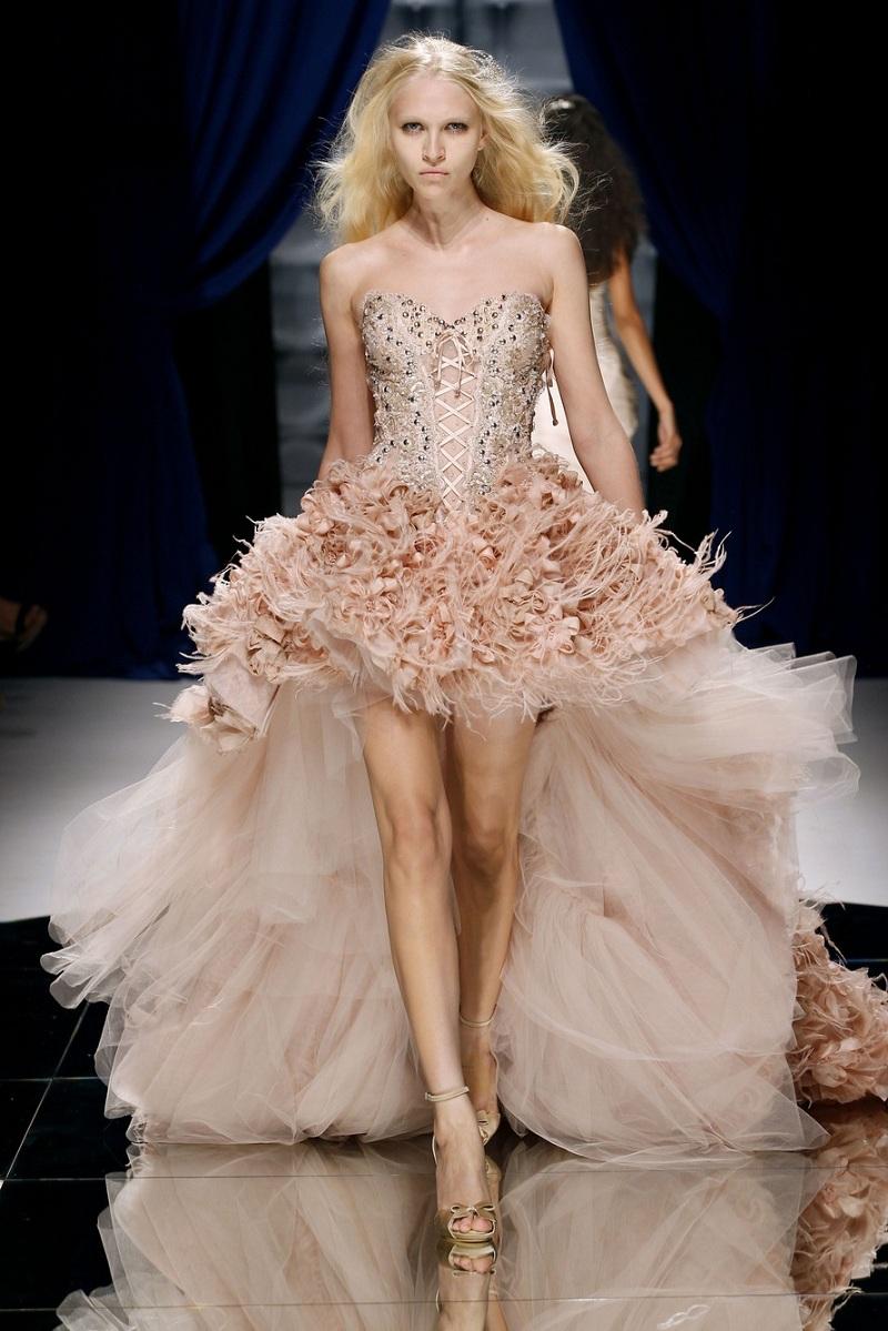 Rạng ngời hơn trong ngày cưới với những mẫu váy cưới ngắn 5