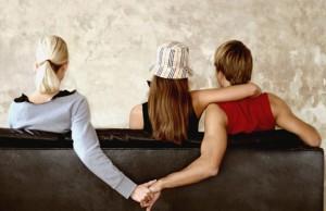 Vì sao không nên làm người thứ ba trong tình yêu bạn nên biết