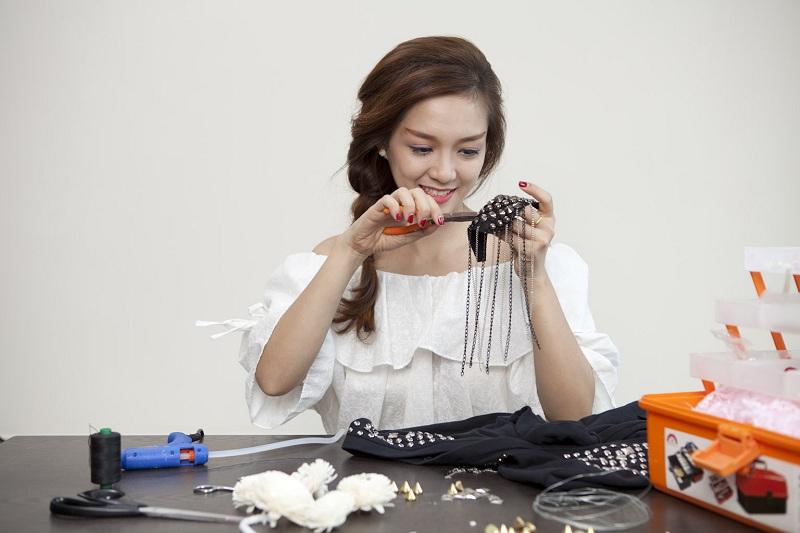 Ngắm nhìn vẻ đẹp cổ điển đan xen hiện đại của ca sĩ Đinh Hương 6
