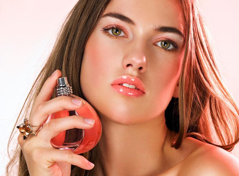 Cách giúp bạn giữ mùi nước hoa thơm lâu trên cơ thể 2