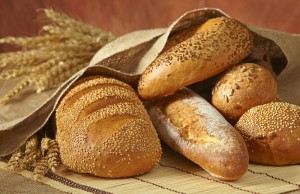Bí quyết giúp bạn tẩy trắng răng nhờ bánh mì 0
