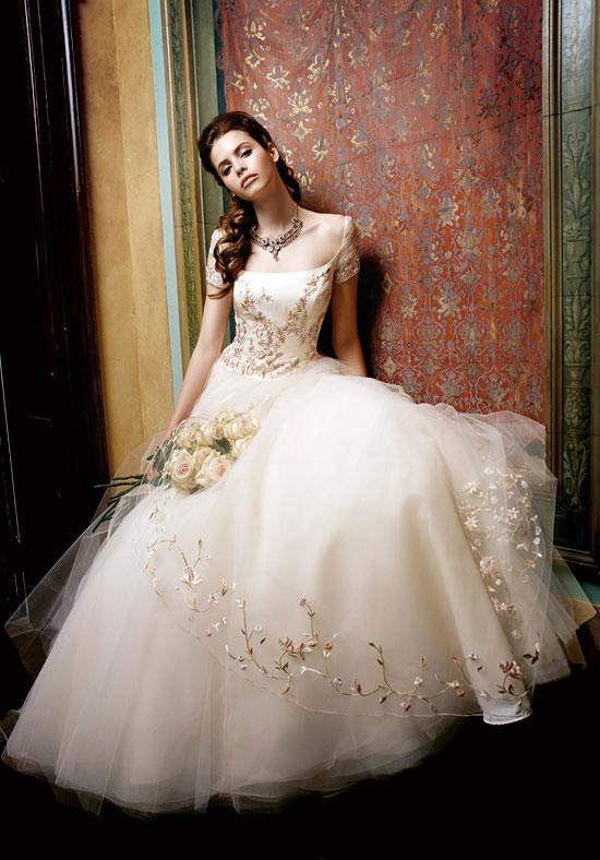 Những bộ váy cưới màu nude giúp nàng dịu dàng hơn trong ngày cưới 3