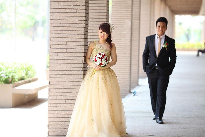 Những bộ váy cưới màu nude giúp nàng dịu dàng hơn trong ngày cưới 7
