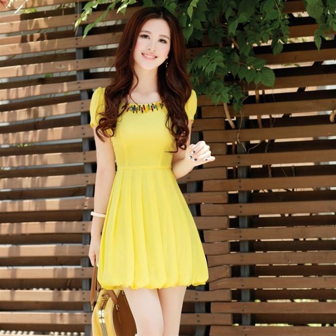 Váy liền thời trang giúp nàng công sở duyên dáng hơn 8