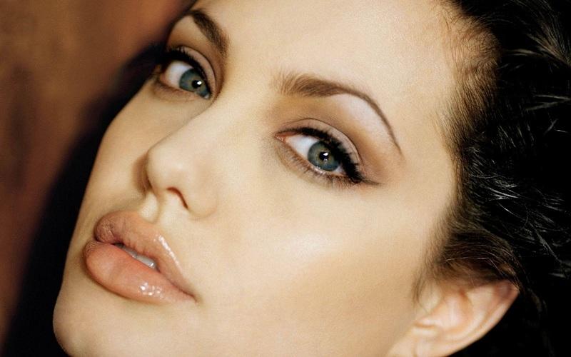 Mẹo hay giúp bạn loại bỏ vết thâm quầng mắt nhanh chóng 2