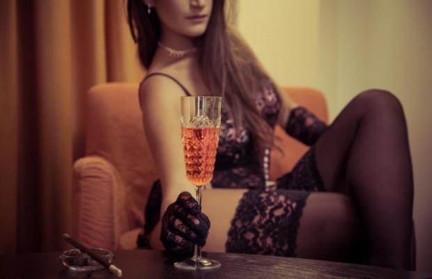 bí quyết làm đẹp tóc bất ngờ từ rượu