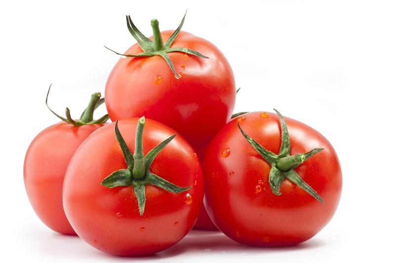 Bí quyết giúp bạn khử sạch mùi hôi nách nhanh chóng nhờ cà chua 2