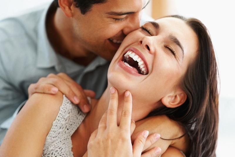 Có những hôm nằm ôm vợ, vợ thủ thỉ 'anh à, ngày trước em xinh là vậy, bây giờ em xấu thế này, anh có chán em không?' 3