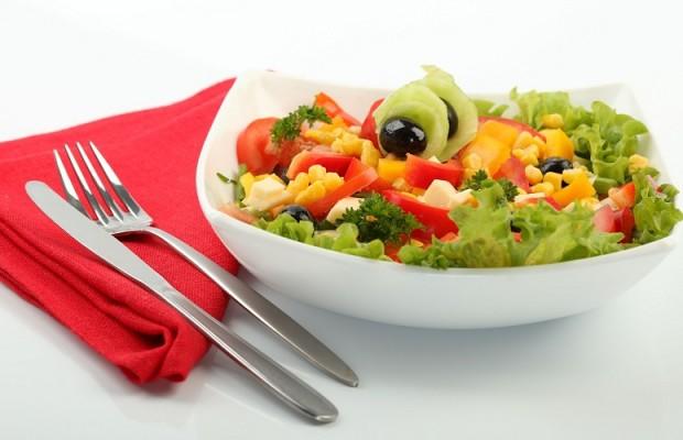 Giảm cân nhanh với thực đơn salad rau củ và trái cây 0