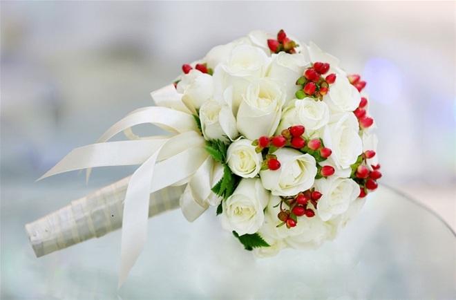 Những mẫu hoa cầm tay cô dâu tuyệt đẹp giúp ngày cưới thêm lãng mạng 1